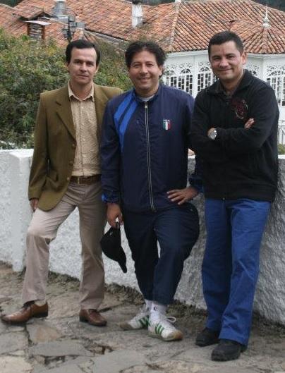 Rafael Guarín (derecha) con los abogados Diego Horacio Vásquez y Fernando Escobar. Fotografía tomada de Facebook.