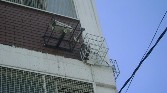 Cámaras como estás son las que se están instalando en las entradas y salidas de los colegios públicos del municipio de Soacha. Fotografía Henry Barbosa.