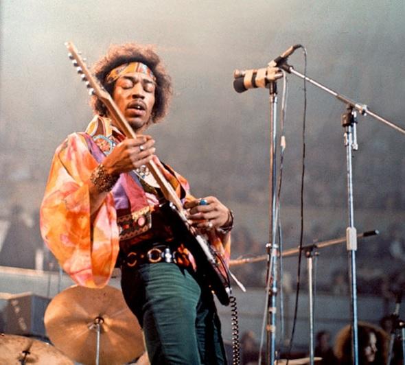 Jimi Hendrix durante su presentación en el Royal Albert Hall de Londres, Febrero 24 de 1969.