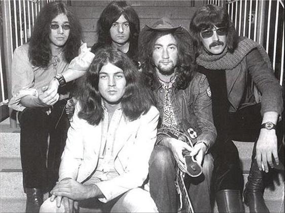 Deep Purple, banda histórica integrada por el vocalista Ian Gillan, el guitarrista Ritchie Blackmore, el baterista Ian Paice, el bajista Roger Glover y el teclista Jon Lord.