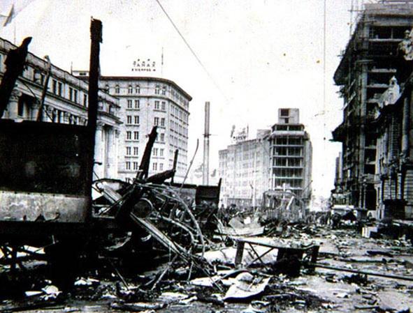 """El asesinato del caudillo liberal ocasionó la destrucción de una parte de la ciudad de Bogotá, hecho que se conoce como el """"Bogotazo""""."""