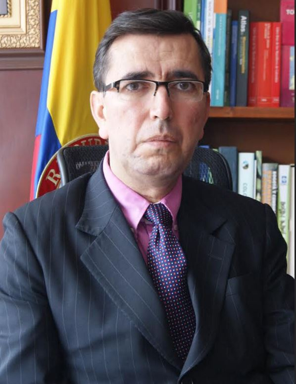 Néstor Franco González, director General de la CAR.