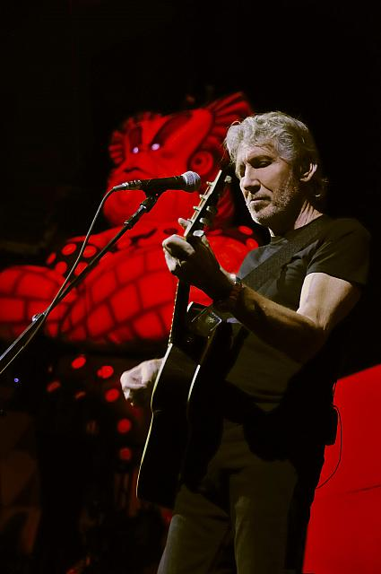 Roger-Waters-Tour-2013