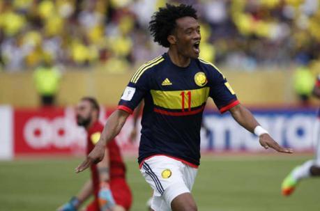 Juan Guillermo Cuadrado festeja el segundo gol de Colombia ante Ecuador.