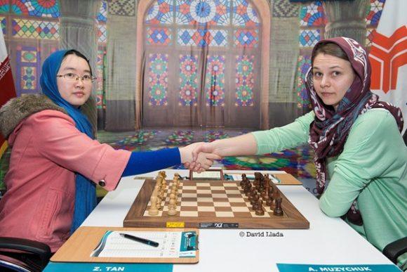 Anna Muzychuk y Tan Zhongyi se enfrentan en la final.