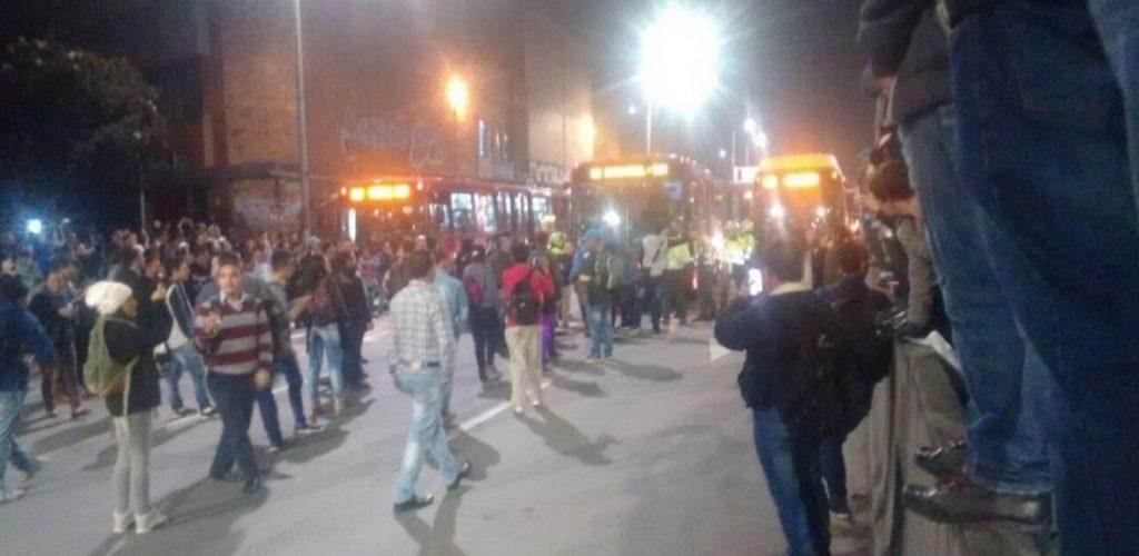 Protestas frente a la estación de la Alquería.
