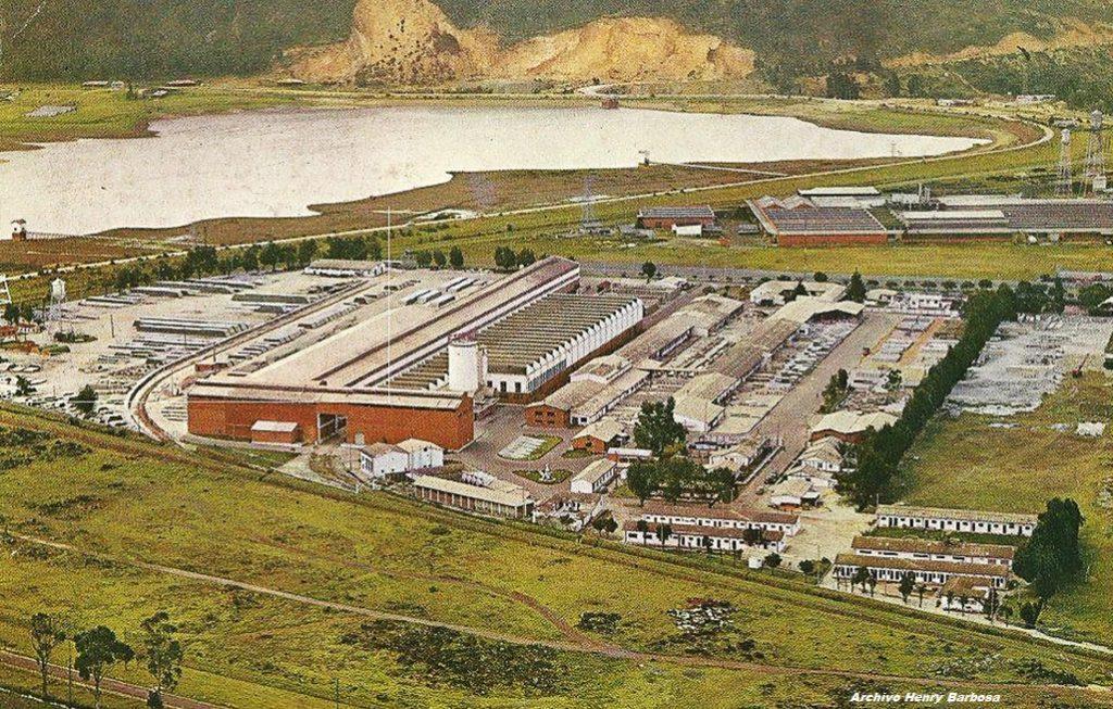 Planta de ETERNIT en el sector del Muña en Sibaté (1982).(Dar clic para ampliar)