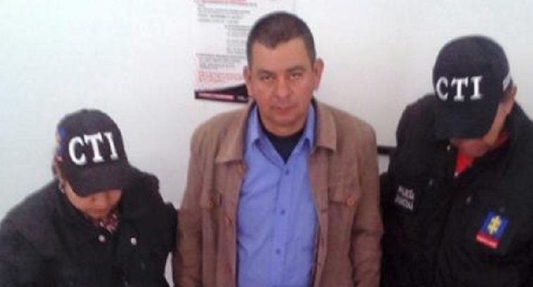 Momento en que Jesús Antonio Díaz López es detenido por agentes del CTI de la Fiscalía.