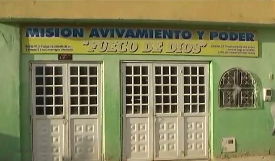 Fachada de la iglesia cristiana Misión Avivamiento y Poder Fuego de Dios en el barrio La María en Soacha.