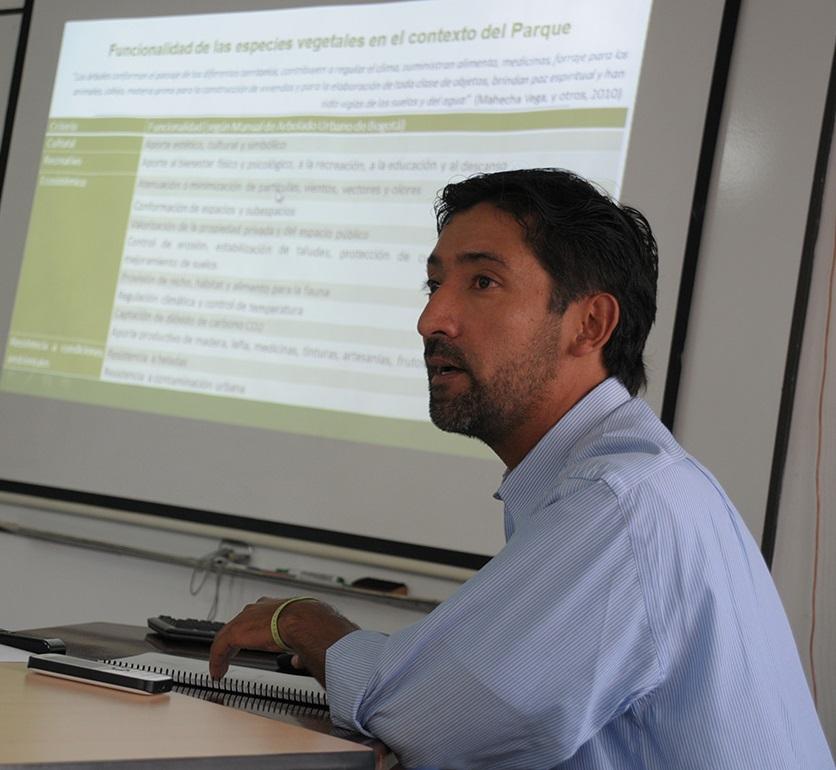 El ingeniero William Díaz propone un sistema de información geográfico y de señalizaciones del arbolado del parque.