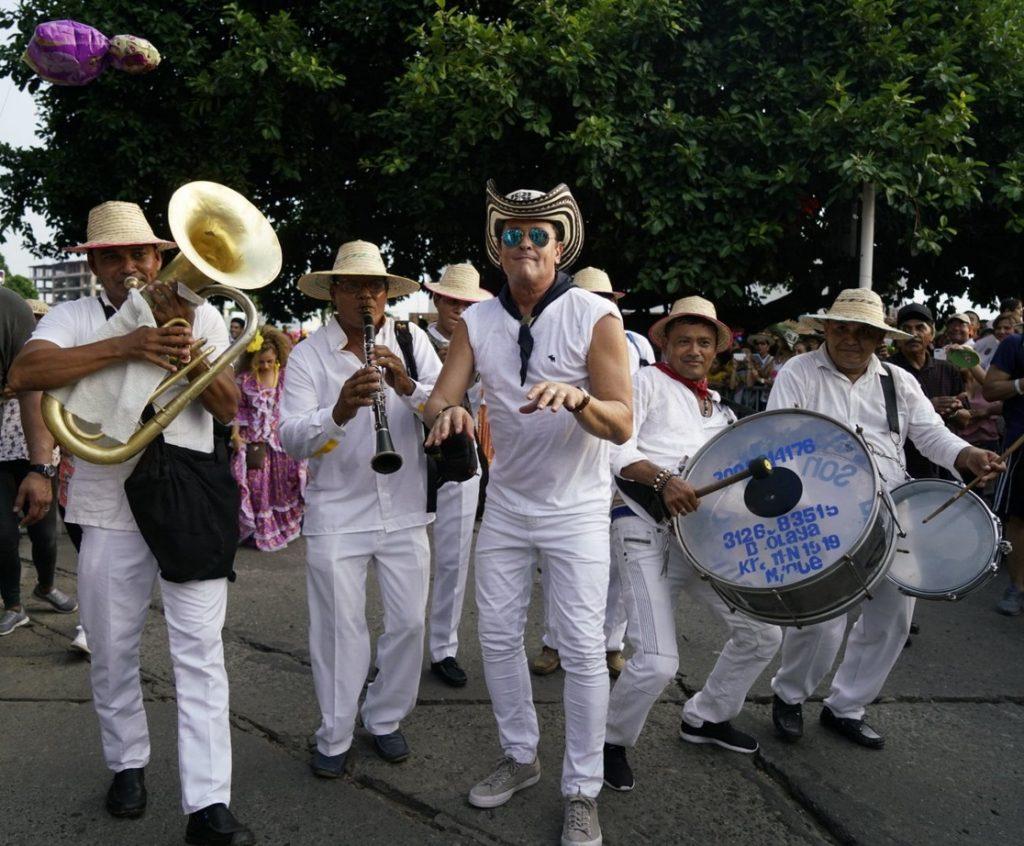 Carlos Vives fue sin duda la estrella principal del desfile de inauguración.
