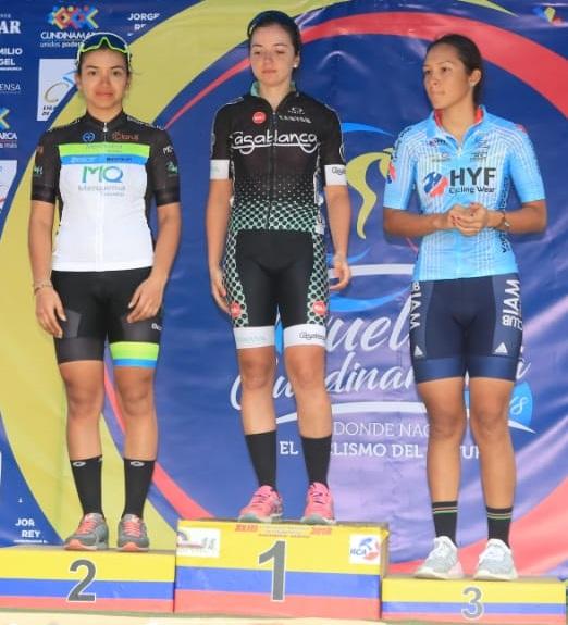 Podio de la categoría Femenina. De izq. a der: Yenifer Ducuara (segundo lugar), Yolanda Valderrama (Campeona) y Laura Sofía Castillo (tercer lugar).