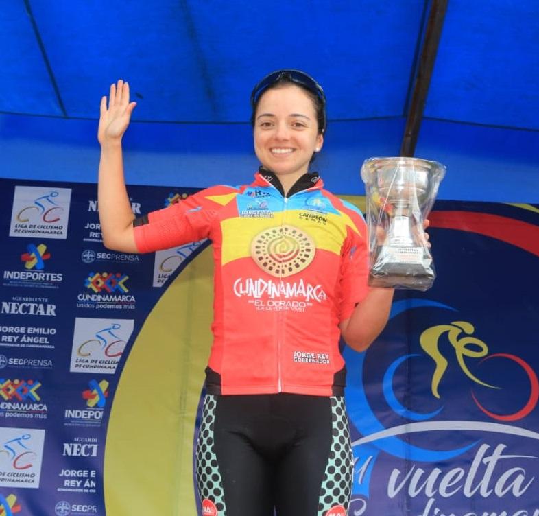 Yolanda Valderrama del equipo Casablanca, campeona de la categoría femenina.