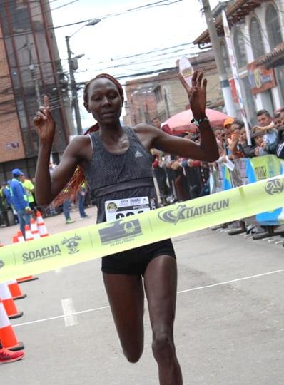 La atleta keniata Kiptoo Jepkemoi gana por amplio margen la XXVII Carrera Atlética Internacional Ciudad de Soacha.