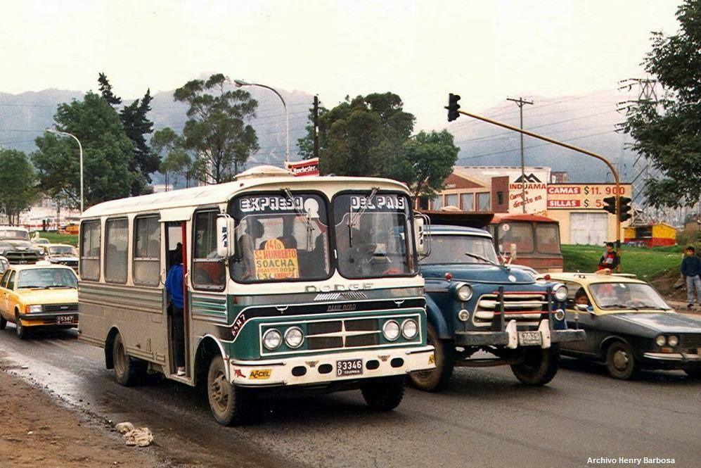En 1986 la ruta Expreso del País, salía de San Humberto, se desplazaba por Bosa hasta coger la Avenida de las Américas y luego tomaba la calle 34.