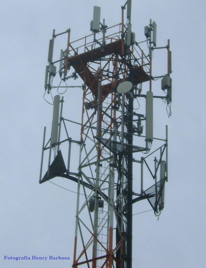 Las antenas de telecomunicaciones en Soacha, viviendo con el enemigo