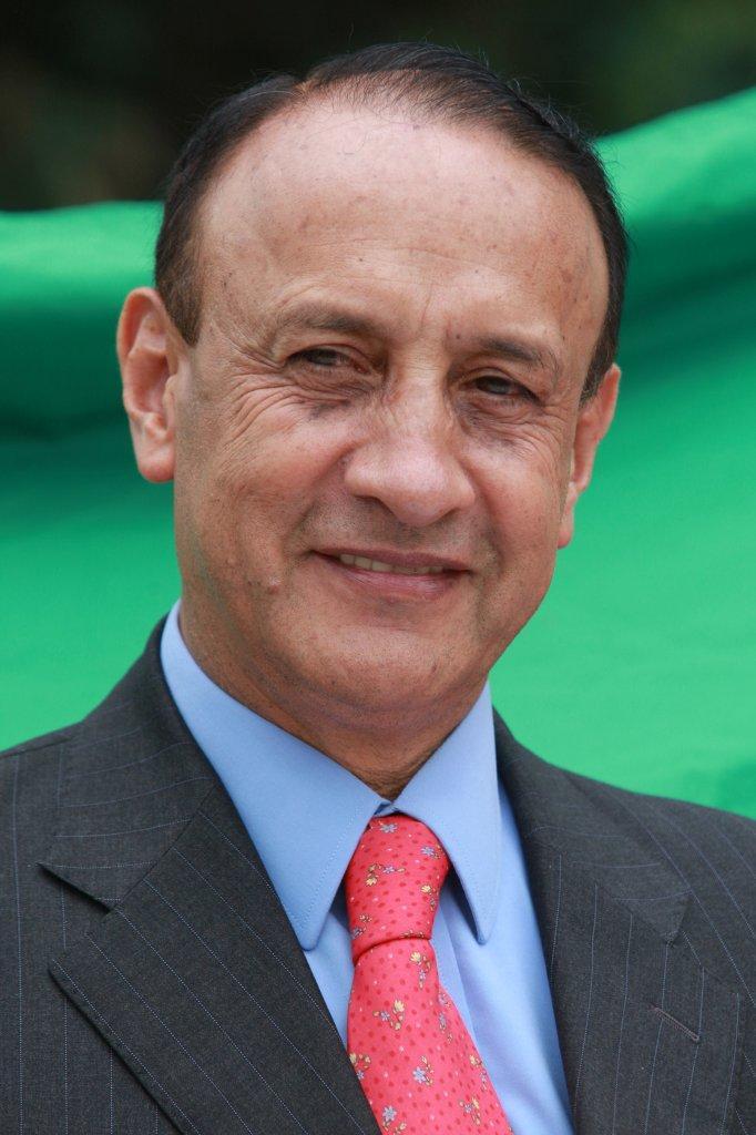 Involucrado el gobernador Álvaro Cruz con el carrusel de la contratación