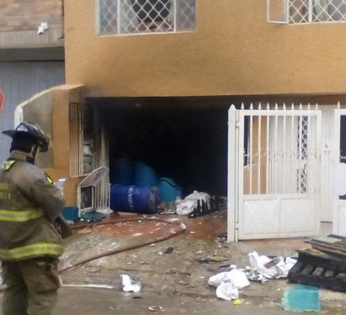 Explosión de fábrica clandestina de químicos en el barrio León XIII deja tres víctimas fatales