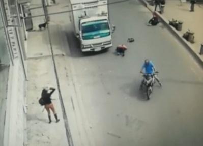 Motociclista arrolló a dos mujeres en Soacha y huyó sin auxiliarlas
