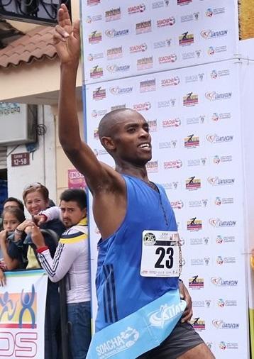 Angie Orjuela y Daniel Muteti ganaron la Carrera Atlética Internacional de Soacha