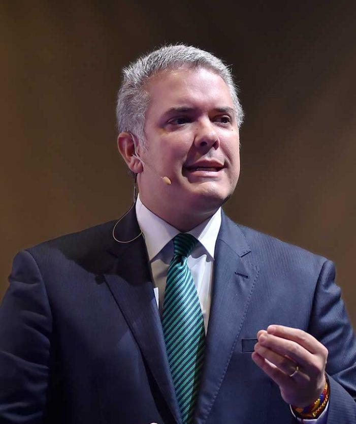 Presidente Duque firma decreto del salario mínimo para el 2019