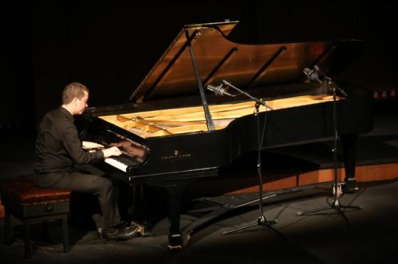 El Teatro Colón convoca al Concurso de piano 2019