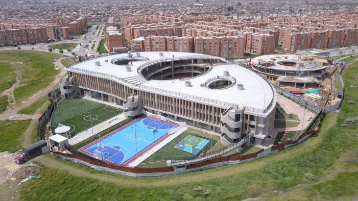 Peñalosa inauguró el Colegio Bicentenario de la Independencia de la localidad de Bosa