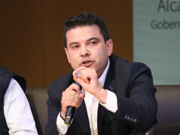 """""""Mi absoluto interés y compromiso para trabajar en el progreso de Cundinamarca y de Bogotá"""" Nicolás García"""