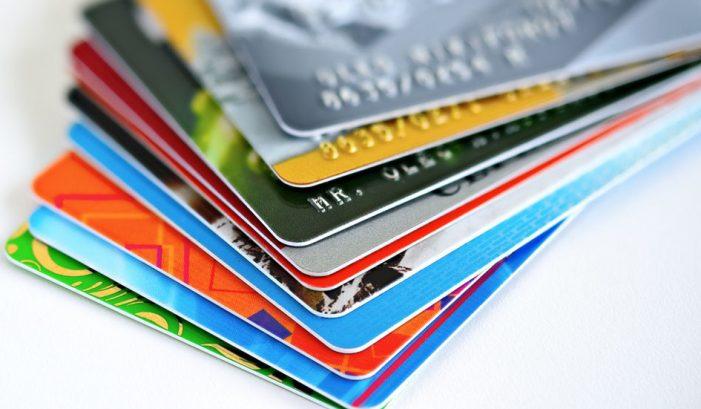 Bancos tendrán que ofrecer tres servicios gratuitos por cobrar cuota de manejo