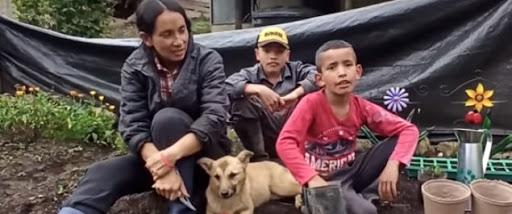 """Enel-Codensa lleva energía eléctrica a familia campesina """"Youtuber"""" de Colombia"""