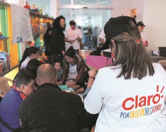 Claro impulsa ruta para inclusión laboral de población vulnerable en Soacha y Bogotá