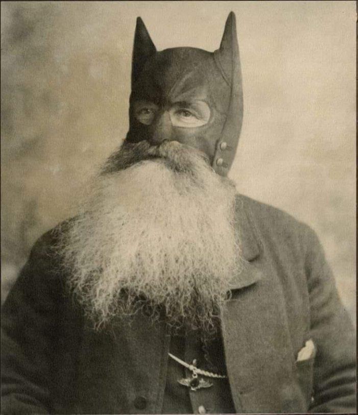 Aparece el verdadero Batman