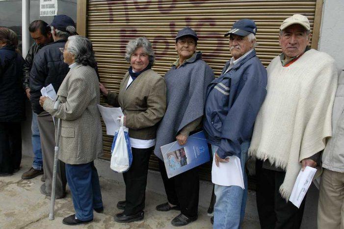 Congreso aprobó Ley para que empresas que empleen personas mayores tengan beneficios tributarios