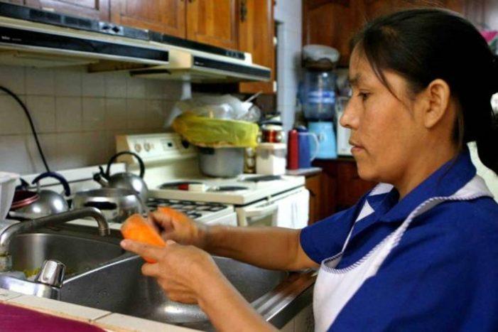 Trabajadoras domésticas tendrán acceso gratuito al sistema bancario