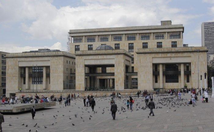 Corte Suprema de Justicia remite a la Fiscalía expediente de Uribe por masacre de El Aro