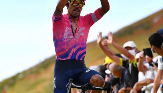 INEOS anuncia el fichaje del ciclista soachuno Daniel Felipe Martínez