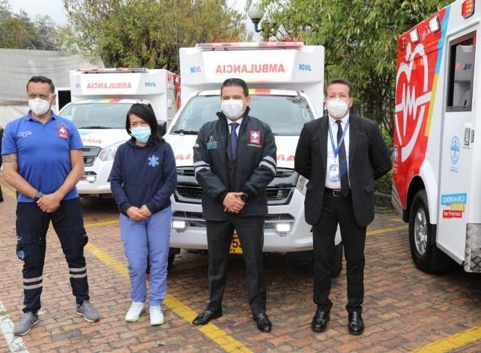 Gobernación de Cundinamarca entrega 11 ambulancias a hospitales del departamento