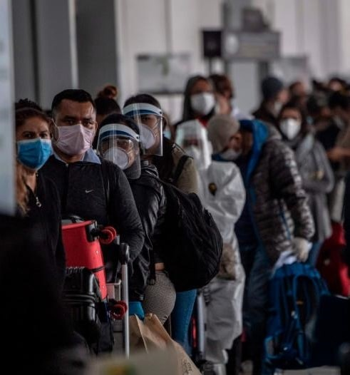"""Científicos hablan ahora del coronavirus como una """"sindemia"""""""