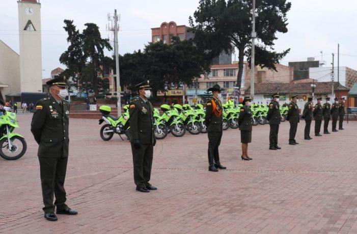 Alcaldía de Soacha entrega motocicletas y vehículos para reforzar seguridad en la ciudad