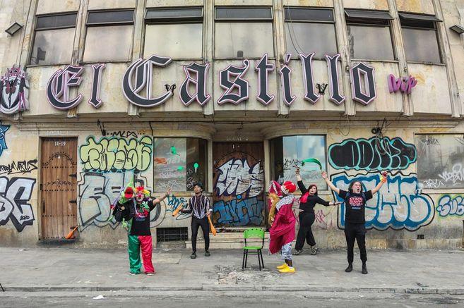 En Bogotá convierten tenebroso prostíbulo en centro cultural