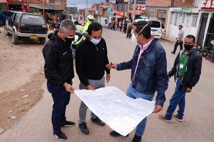 Director de Invías promete avenida por los cerros de Soacha para destrabar la Autopista Sur