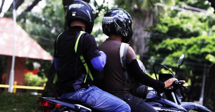 Prohíben circulación de motos con parrillero hombre en Soacha