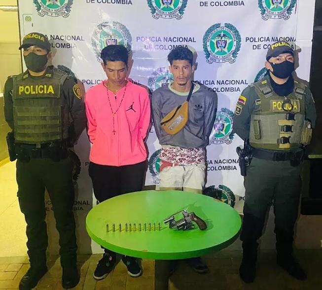Capturan en Soacha a dos venezolanos con arma de fuego