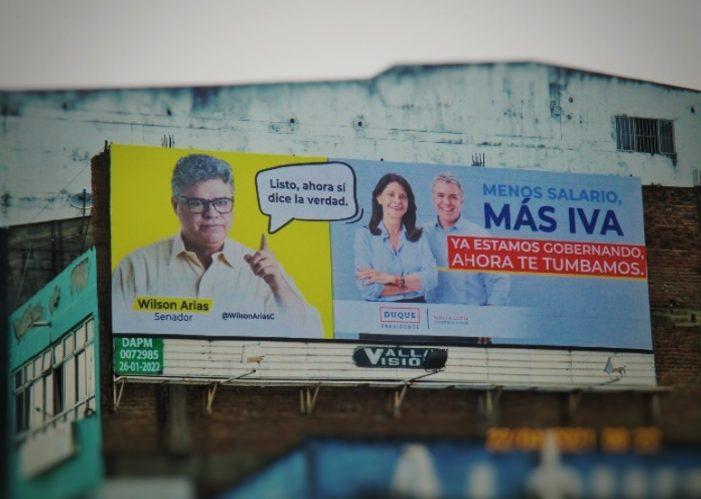 Instalan valla publicitaria en Cali criticando al gobierno Iván Duque