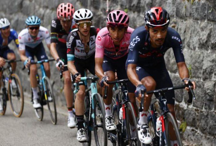 El soachuno Daniel Felipe Martínez volvió a ser el soporte de Egan Bernal en el Giro