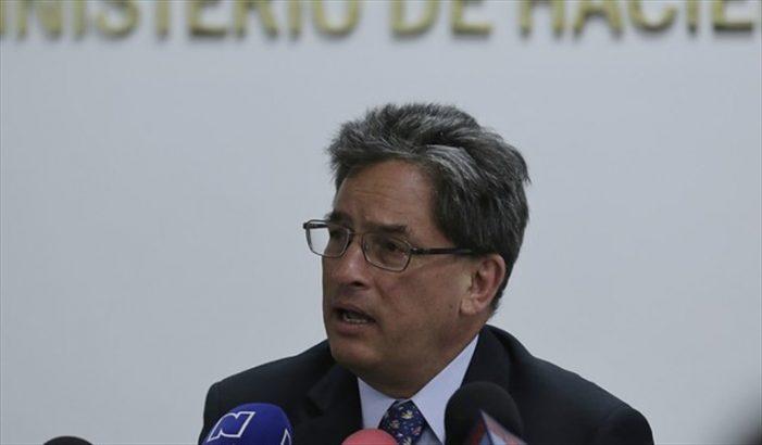 Renunció Alberto Carrasquilla como ministro de Hacienda