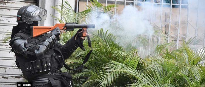 Amnistía Internacional pide a Estados Unidos que deje de proveer armas para reprimir protestas en Colombia