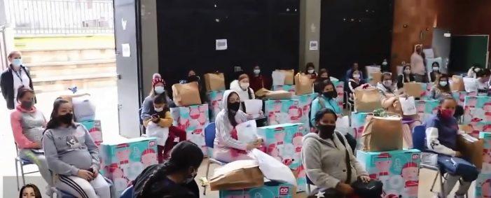 Alcaldía de Soacha entregó bonos y cunas a madres gestantes del municipio