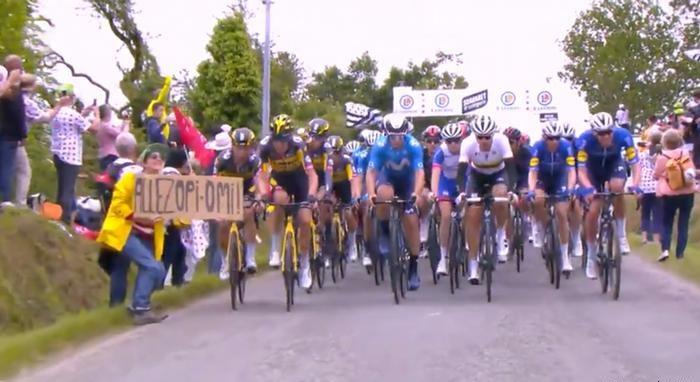 Detienen a la espectadora del Tour de Francia que provocó caída múltiple