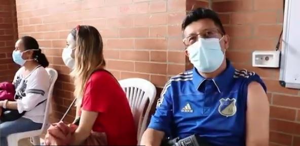 Inician vacunación de docentes de instituciones públicas en Soacha
